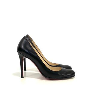 Lounoutin simple pump size 37